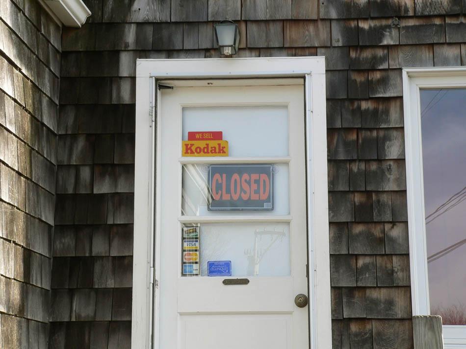 Closed-9